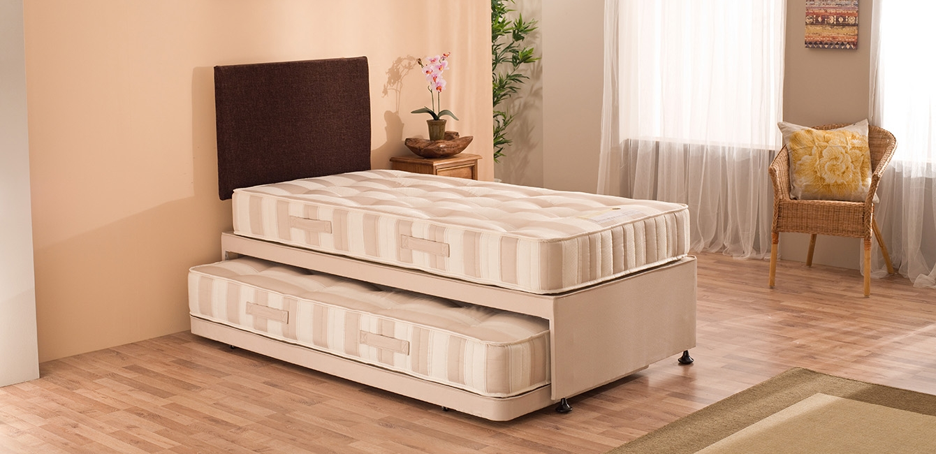'Oslo' Full length guest bed complete set.