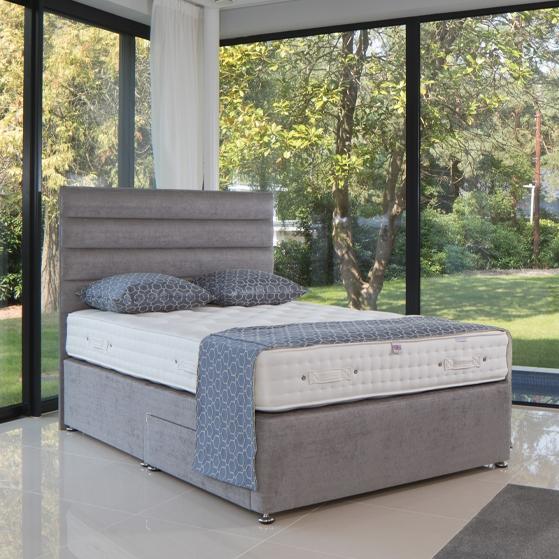 * SALE* 4'6 Cotton 1700 Mattress & Base - Floor Model